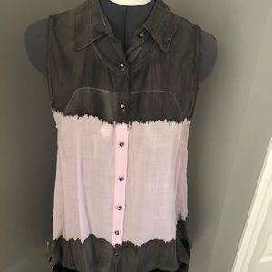 Monob Sleeveless Button Down Shirt